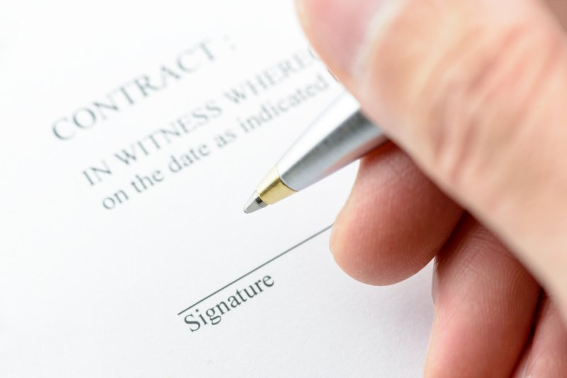 10 tips before signing a pool company's contract